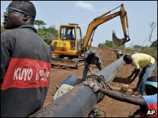 Oil pipeline being built in Ivory Coast
