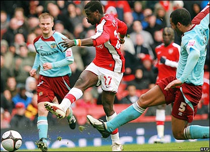 Eboue makes it 3-0