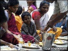 Feeding programme for India's homeless