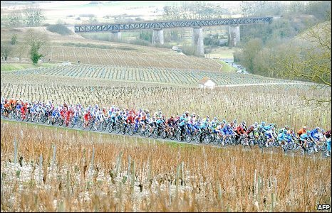 Cyclists compete in the 2009 Paris-Nice cycling race, between Saint-Brisson-sur-Loire and La Chapelle-Saint-Ursin, 9 March 2009