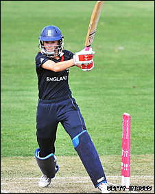 Caroline Atkins pulls a short delivery against India