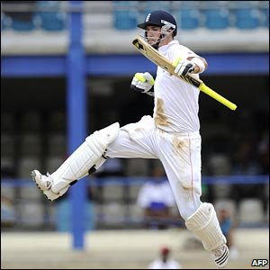 Pietersen celebrates his century