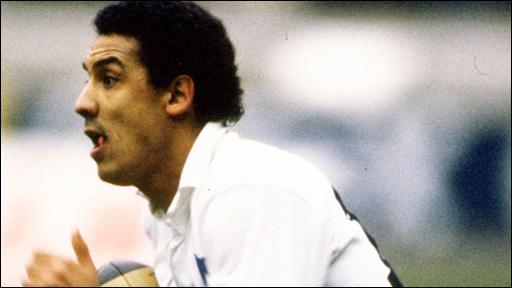 France back Serge Blanco