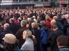 Crowds at Belfast City Hall (picture by Richie Crosbie)