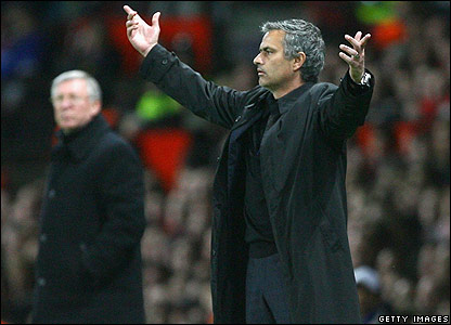 Mourinho gestures to his players