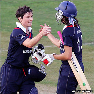 Claire Taylor and Caroline Atkins see England home as they overcome main group rivals India by nine wickets