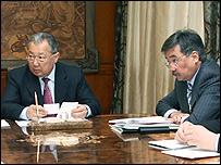 Медет Садыркулов (справа) и президент Киргизии Курманбек Бакиев. Фото с сайта president.