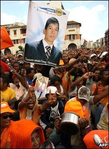 Supporters of Madagascar's opposition leader Andry Rajoelina at a rally in Antananarivo, Madagascar, 14 March 2009