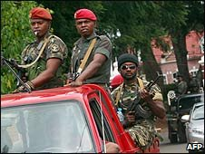 Soldiers in the Madagascar capital, Antananarivo (14/03/2009)