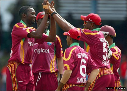 West Indies celebrate the wicket of Owais Shah