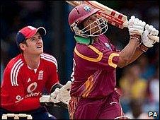 Ramnaresh Sarwan and Steve Davies
