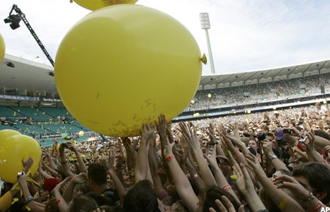 Balloons during Coldplay's set