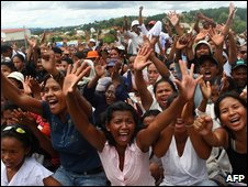 Supporters of Madagascar President Marc Ravalomanana in Antananarivo on 15 March 2009
