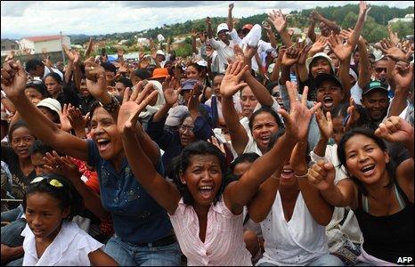 Supporters of President Ravalomanana