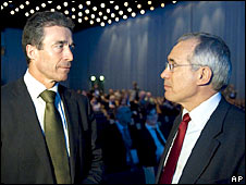 Anders Fogh Rasmussen (l) and Lord Stern (r)