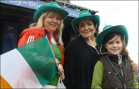 Helena McLaughlin and Margaret and Megan Kelly at the St Patrick's Day celebrations in Derry