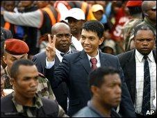 Andry Rajoelina (centre) arrives at a rally in Antananarivo, Madagascar, 17 March 2009