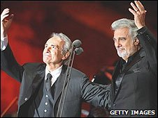Jose Carreras (l) and Placido Domingo