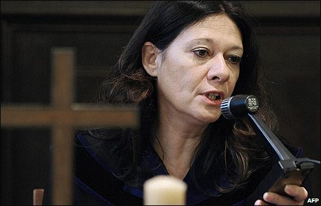 Judge Andrea Humer in court (17 March 2009)