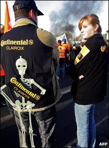 Workers from the German firm Continental demonstrate