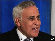 Moshe Katsav giving a press conference on 12/3/09