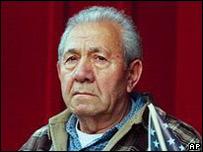Йошиаш Кумпф в своем доме в Висконсине (сентябрь 2003)