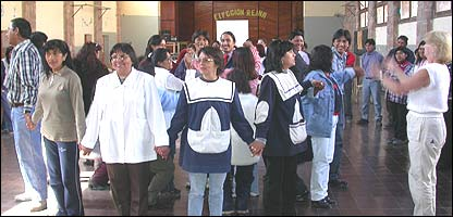 Gail Bromley, del Jard�n Bot�nico de Londres, en un taller para docentes en Argentina (Foto: gentileza Asociaci�n Civil Los Algarrobos)