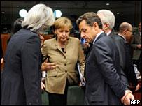 Ангела Меркель беседует с Николя Саркози