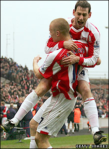 Delap congratulates Shawcross on his goal