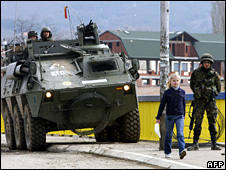 Spanish troops in Kosovo town of Mitrovica (20 March 2008)