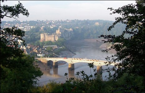 Chepstow Castle and Wye Bridge. Photo by Andy Quelch.