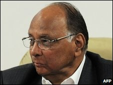 ICC Vice-President Sharad Pawar (R) during the ICC Cricket World Cup Organising Committee meeting in New Delhi on February 17, 2009.