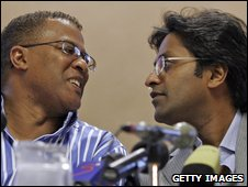 Cricket South Africa chief executive Gerald Majola (left) and the chairman of the Indian Premier League, Lalit Modi