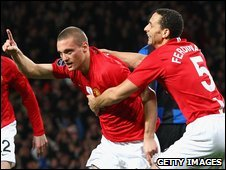 Nemanja Vidic and Rio Ferdinand celebrate the Serb's goal v Inter Milan