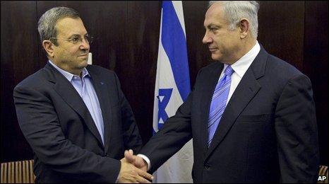Ehud Barak (l) and Benjamin Netanyahu