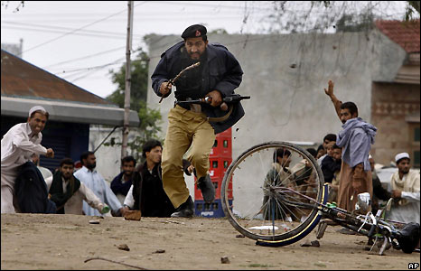 Police officer in Nowshera, Pakistan