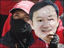Anti-government demonstrator with Thaksin Shinawatra mask - 26/3/2009