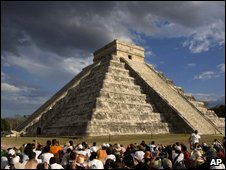 Peopel attend the spring qequinox at Chichen Itza on 21 March
