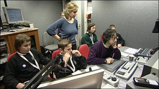 Pupils in an edit suite with Amanda Parr