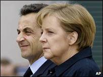 La canciller alemana, Angela Merkel y el presidente francés, Nicolás Sarkozy.
