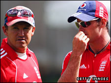 Andy Flower (left) and Andrew Strauss (right)