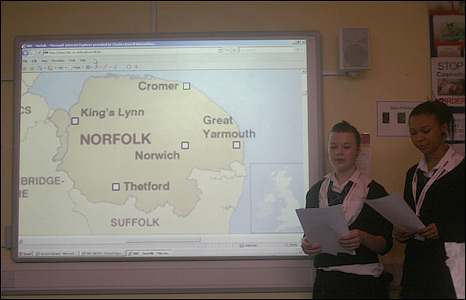 Students reporting online material for BBC School Report 2009 at the Charles Burrell Humanities School in Thetford, Norfolk