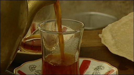 Hot black tea is a traditional drink in the Middle East
