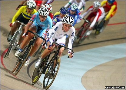 Lizzie Armitstead in the scratch race field