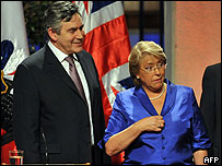 Gordon Brown y Michelle Bachelet