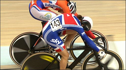 Victoria Pendleton finishes just ahead of Willy Kanis