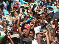 Supporters of Madagascar's ousted President Marc Ravalomanana protest on 28 March 2009