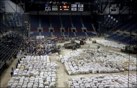 Thousands of sandbags piled up in the Fargodome in Fargo, 27/03