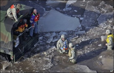 National Guard personnel help Fargo residents, 28/03