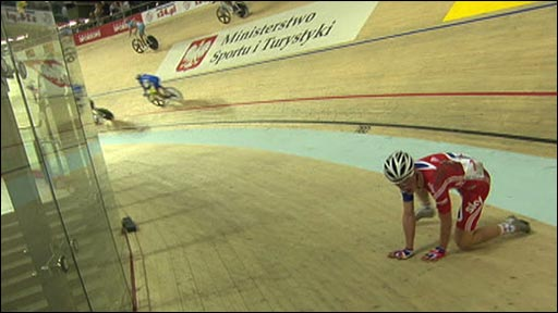 GB's Peter Kennaugh takes a fall